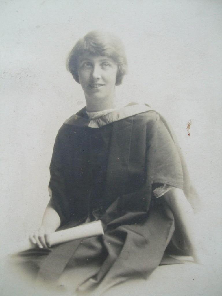 Mairi C NicCaluim MA Oilthigh Ghlaschu c1923